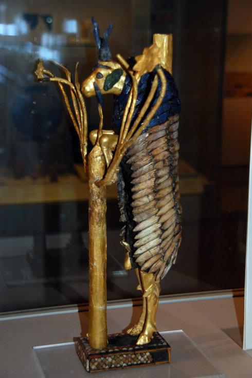 最新出版的二里头遗址报告中指出,遗址出土的动物以脊椎动物为主,以